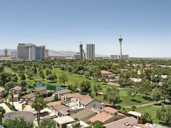 Las vegas country club homes and golf course